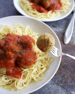 Easy Vegan Meatballs Using Chickpeas