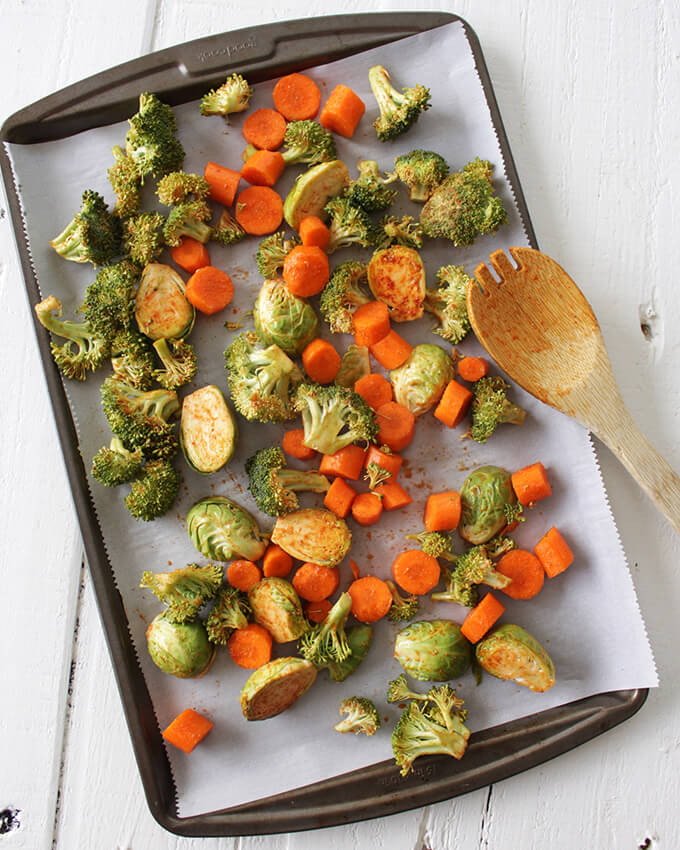 Easy Roasted Veggies with Zesty Hummus Dressing | Vegan | HCLF