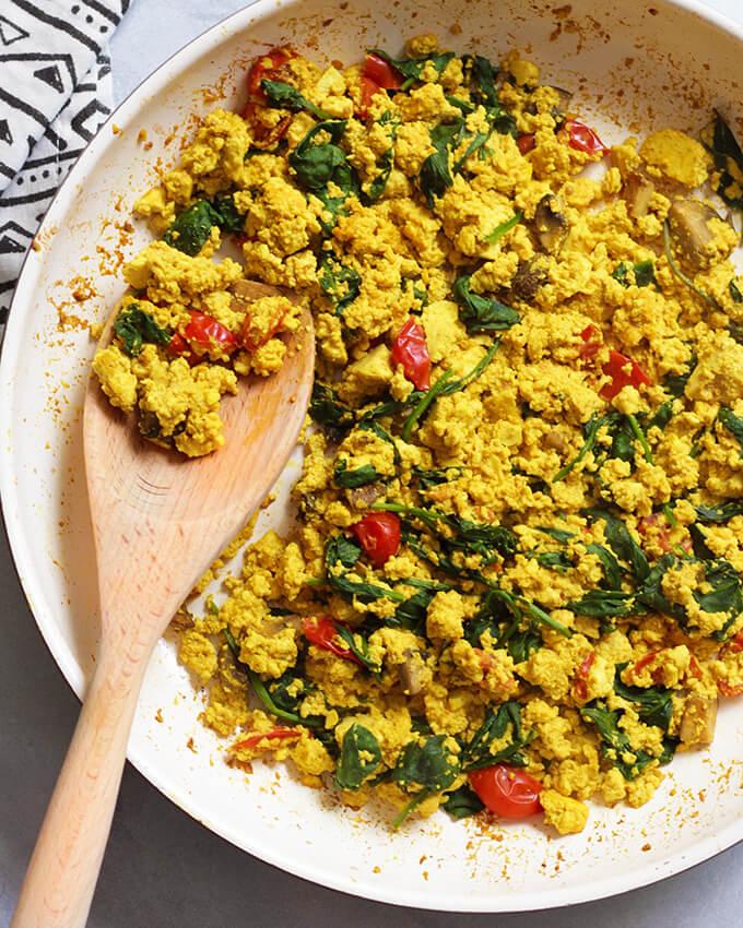 """Vegan Breakfast Ideas: Tofu """"egg"""" scramble"""