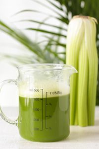 Health Benefits of Celery Juice & 2 Easy Methods